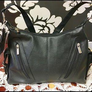 Handbags - NWT Genuine Leather Handbag Lotsa Pockets